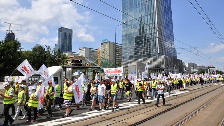 Warszawa. Protest górników i energetyków. Zablokowany ruch w centrum stolicy