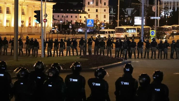 """Białoruskie MSZ """"ma dowody na ingerencję z zagranicy"""". Apeluje do sąsiadów"""