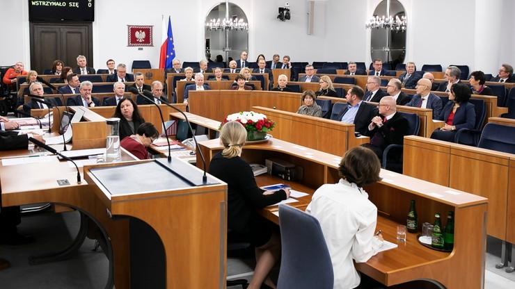 Senat prosi, aby nagrywać filmiki krytykujące rząd? Tak twierdzi jego wicemarszałek