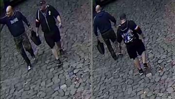 Policja publikuje zdjęcia dwóch mężczyzn. Po interwencji Giertycha. Rzucili kamieniem w dom syna Tuska