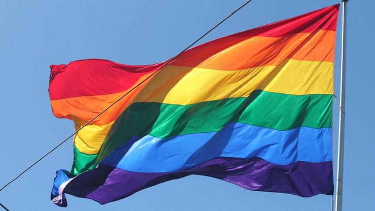 CBOS: ponad połowa Polaków uważa, że homoseksualizm to odstępstwo od normy