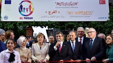 Merkel za utworzeniem stref bezpieczeństwa przy granicy z Turcją
