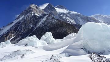 Wyprawa na K2. Rafał Fronia czeka na lot do Islamabadu