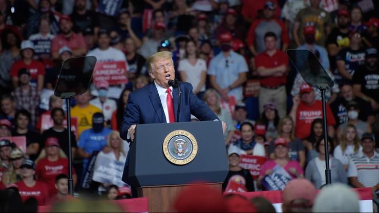 Miejsca pracy dla Amerykanów. Trump zawiesza wydawanie wiz