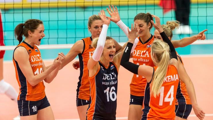 MŚ siatkarek: Sensacyjna wygrana Holandii, koncert Sloetjes