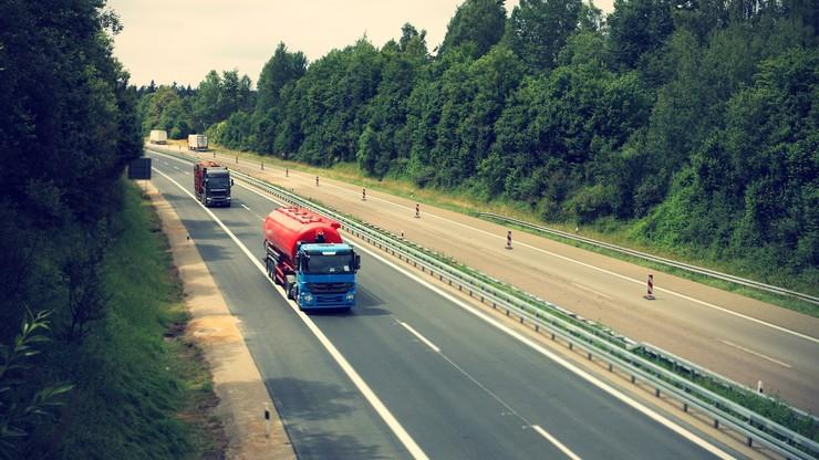Prawo jazdy na ciężarówkę dla niesłyszących. Projekt noweli w Sejmie