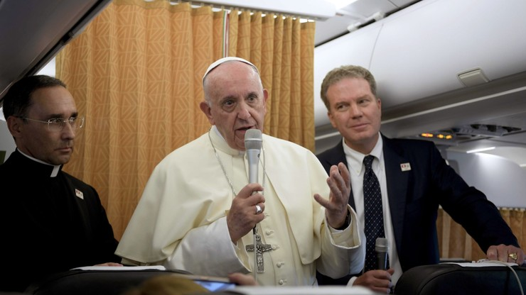 """Papież: każdy kraj powinien przyjąć tylu migrantów, ile może. """"Z rozwagą"""""""