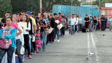 Wenezuelczycy szturmują granicę z Kolumbią. Była zamknięta przez cztery miesiące