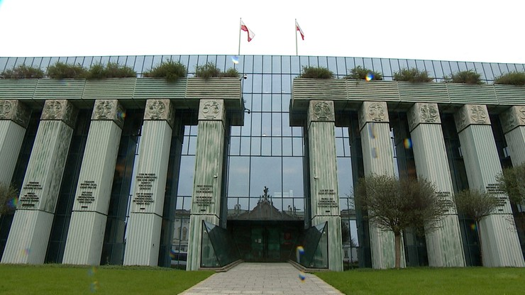 Ewakuacja Sądu Najwyższego. Informacje o bombach w 40 miejscach w Warszawie