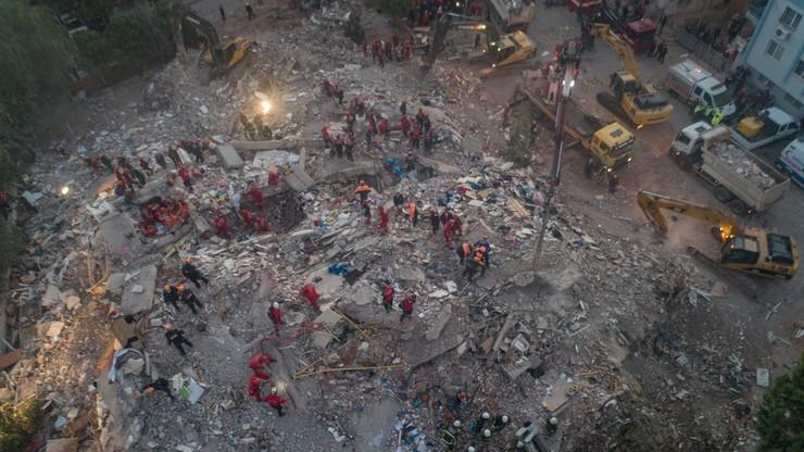 Trzęsienie ziemi w Turcji. Co najmniej 25 ofiar śmiertelnych