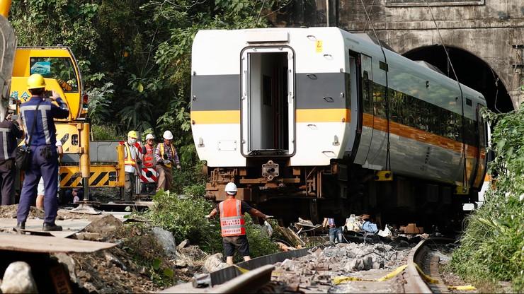 Tajwan. Koparka stoczyła się na pociąg. Nakaz aresztowania dla kierownika budowy