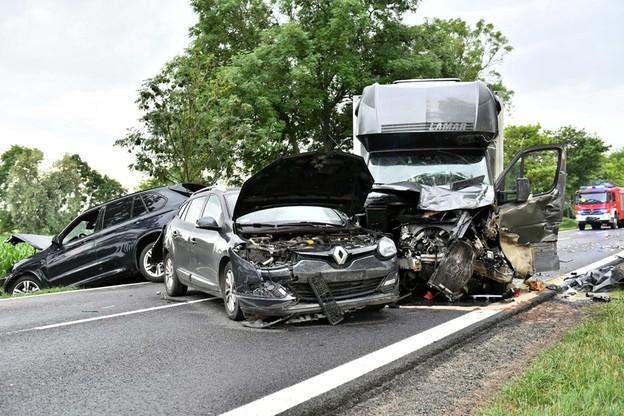 Droga w miejscu wypadku jest całkowicie zablokowana