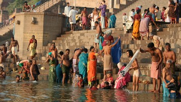 """Święte rzeki w Indiach otrzymały status """"bytów żywych"""" i osobowość prawną"""