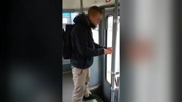 Pobił współpasażera w tramwaju, bo ten zwrócił mu uwagę. 23-latek zatrzymany