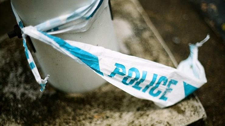 Atak pod klubem w Anglii. Młodemu mężczyźnie odcięto rękę