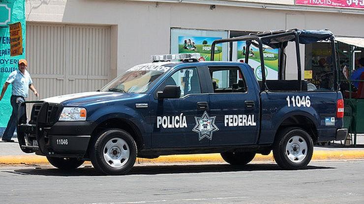 """Meksyk: sześć osób z odciętymi dłońmi. Na twarzach napisy """"jestem złodziejem"""""""
