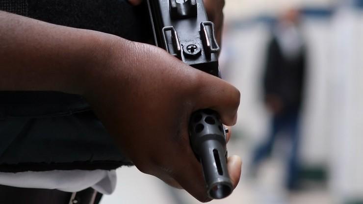 Uzbrojeni napastnicy wzięli zakładników w hotelu w stolicy Mali. Co najmniej dwie ofiary