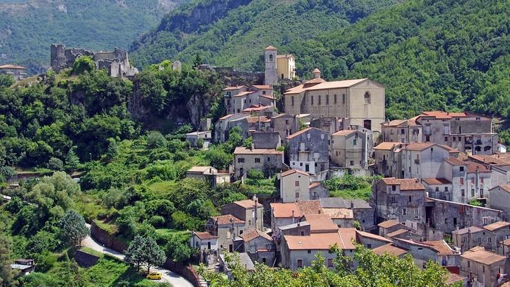 Włochy: władze 4 miejscowości rozwiązane za związki z mafią