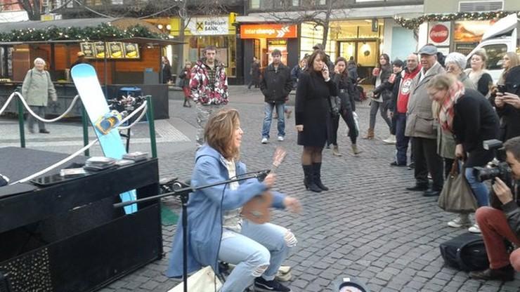 Czeska mistrzyni olimpijska grała i śpiewała na ulicy. Zarobiła ok. 8 złotych