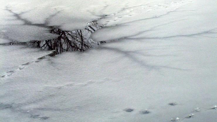 Pod trzema osobami załamał się lód. Nurkowie wyłowili zwłoki mężczyzny