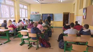 """""""DGP"""": ministerstwo edukacji naśle na szkoły Państwową Inspekcję Pracy"""