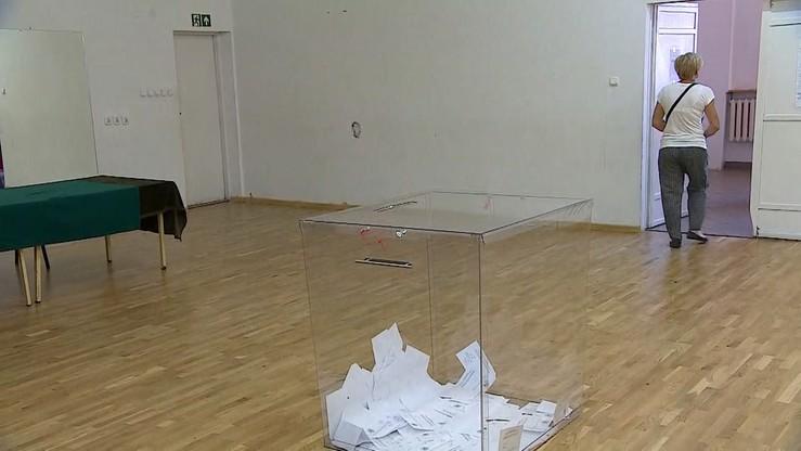 Referendum w Wieliszewie nieważne. Ożarów przeciw metropolii, Podkowa Leśna za samodzielnością
