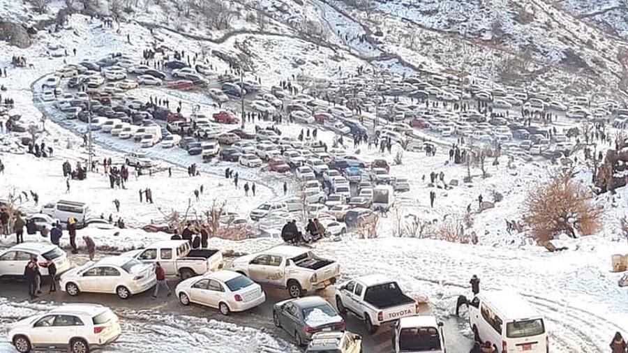 Niecodzienny śnieg w Kurdystanie. Fot. basnews.