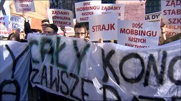 Protest w warszawskiej szkole. Chcą odwołania dyrektorki