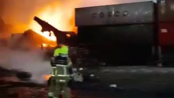 Dubaj: eksplozja i pożar na kontenerowcu. Zatrzęsły się budynki