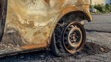 """Wojna gangów we Francji. """"Żywcem spalony w samochodzie"""""""