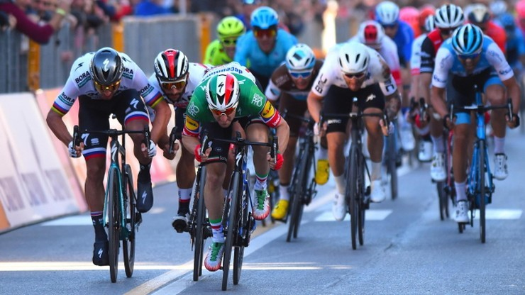 Criterium du Dauphine: Van Aert wygrał czwarty etap, wypadek Froome'a