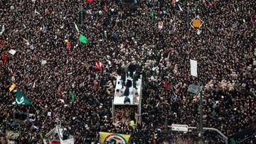 Wybuch paniki na pogrzebie gen. Sulejmaniego. Nie żyje co najmniej 50 osób