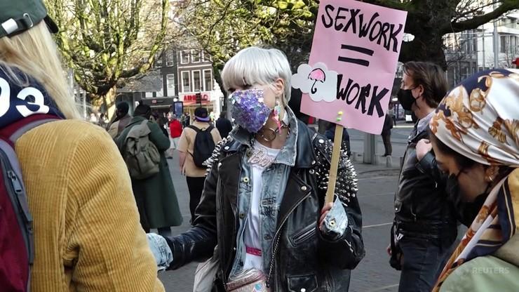 Holandia. Protest prostytutek przed parlamentem. Sprzeciwiają się restrykcjom