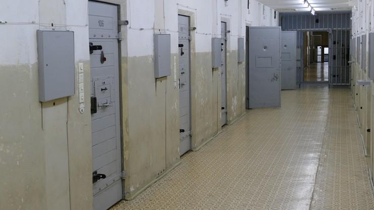 Węgry: więzienie dla antyszczepionkowego farmaceuty