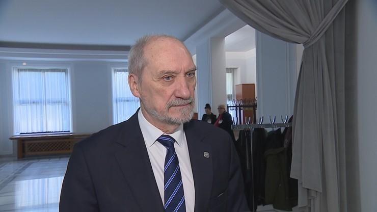 Sejm. Nowacka do Macierewicza: mam prawo zobaczyć raport podkomisji smoleńskiej