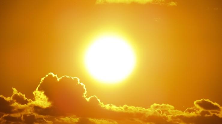 Unikanie słońca zwiększa ryzyko choroby? Wyniki badań ws. raka jelita