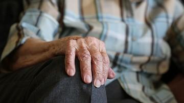 Pisma ze skarbówki przeraziły seniorów. Wbrew prawu żądają podatku od emerytów