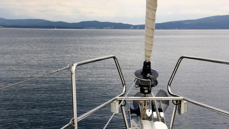 Odnaleziono ciało żeglarza. Jego jacht przewrócił się na jeziorze Myśliborskim
