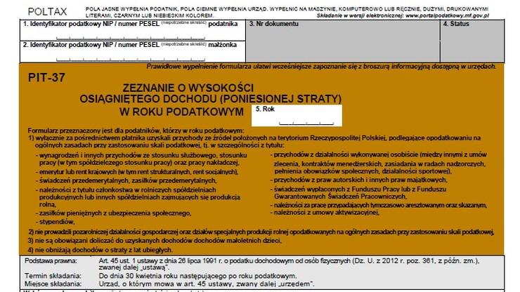 PIT: Polacy złożyli już 5 mln 900 tys. elektronicznych formularzy