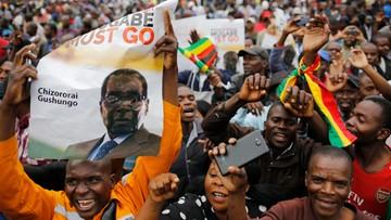 """Tysiące demonstrantów domagają się odejścia prezydenta Mugabe. """"To jak Święta Bożego Narodzenia"""""""