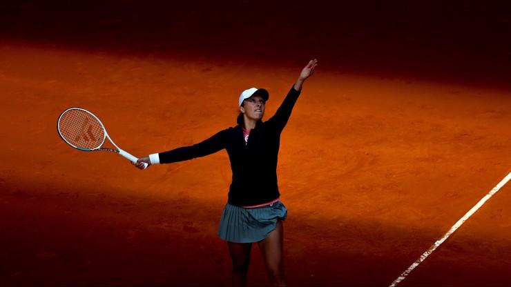 WTA w Madrycie: Iga Świątek gra dalej! Pewna wygrana w dwóch setach