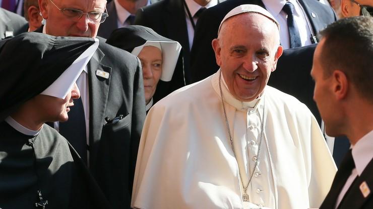 Szef MON rozmawiał z papieżem o katastrofie smoleńskiej