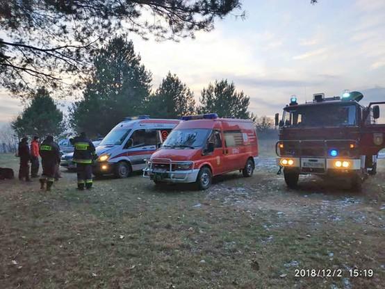 Na miejsce przyjechały: straż pożarna, policja i pogotowie ratunkowe.
