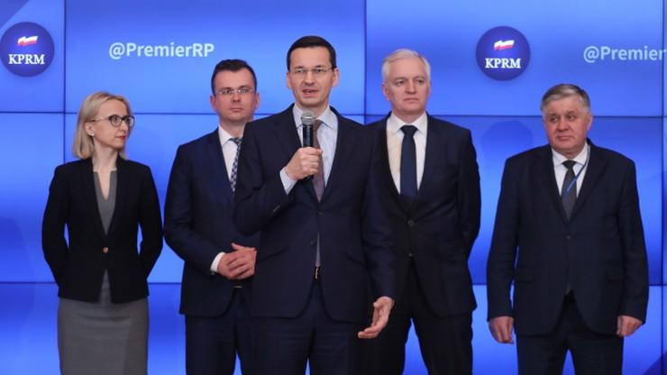 """""""Kończymy zimę dobrą i otwartą dyskusją"""". Premier Morawiecki w ogniu pytań internautów"""