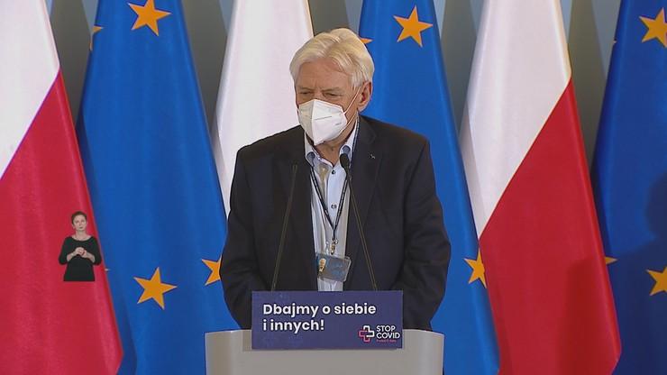 """Koronawirus w Polsce. """"Prosta droga do ściany"""" - prof. Horban ostrzega przed wzrostem liczby zgonów"""