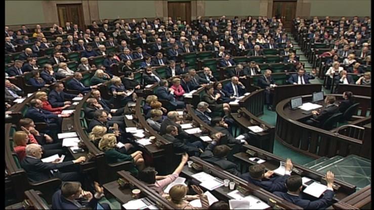 Sejm wprowadził podatek bankowy