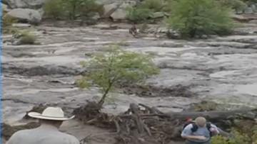 USA: fala powodziowa zaskoczyła kapiących się w rzece. Dziewięć osób utonęło