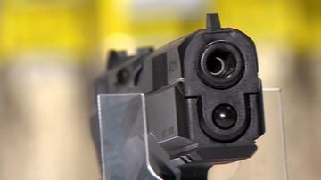 Grupa przestępcza z Sycylii kupowała broń na polskiej stronie internetowej