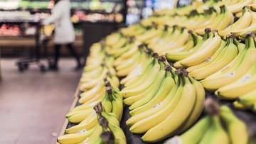 Kokaina ukryta w bananach. Narkotyk znaleziony w sklepie w Kotuniu na Mazowszu
