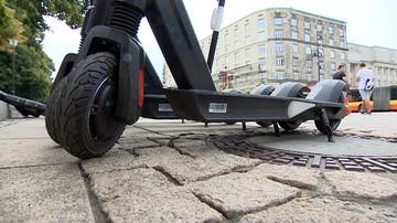 Wypadek hulajnogi elektrycznej we Wrocławiu. 30-latek uderzył w tramwaj